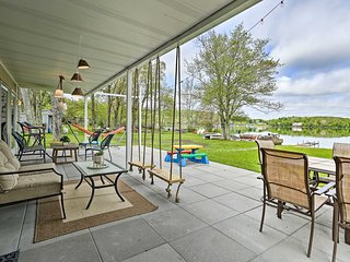 NEW! Luxe Lakefront Family Cottage w/ Private Dock