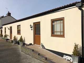 Squirrel Cottage is a beautiful self contained 2 bedroom modern living space.