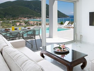 ModernVilla W withPrivatePool&Views,inVasiliki Lefkada NowWith 10%Off Until 18/7