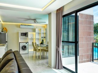 6 person Nimman Road with pool access (New apartment)