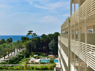 Lido di Camaiore Apartment Sleeps 6 with Pool and Air Con - 5838266