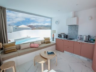 Aqua Blanca 2 Boutique Apartment with private splash pool - Adults Only