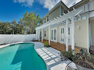Crystal Beach Dream w/ Private Pool - Steps to Shore & Destin Commons