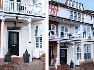 BIRCH HOUSE, large property, en-suites, open fire, near beach in Cromer, Ref