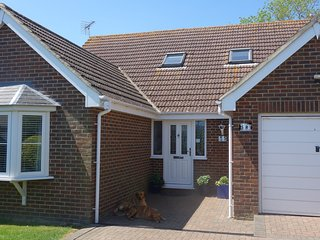 FABULOUS SEASIDE HOUSE  NR DYMCHURCH SLEEPS 8 ***SPECIAL OFFERS ***