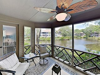 Updated Beach Villa w/ Lagoon-View Balcony at Kiawah Island Golf Resort
