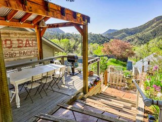 RED ROCKS retreat | idyllic CO mountains | Professionally cleaned per CDC guidel
