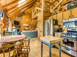 NEW LISTING! Dog-friendly getaway w/ a full kitchen, furnished balcony, & views!