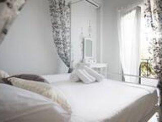 Ionian Grand sea View Apt 5 (3 bedroom), holiday rental in Dafnata