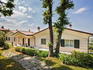 Villa Montescudo per max 13 persone nellentroterra di Rimini
