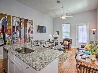 NEW! Updated Uptown Oasis: 0.5 Mi to Parade Route!