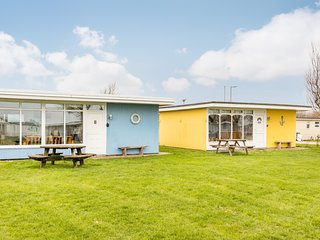 The Beach Huts - Blue Seaside Chalet, Camber Sands