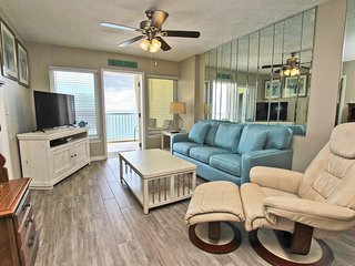 Boardwalk 985- Make Your Beach Dreams a Reality! Book Now