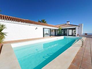 Villa Essence of Monte Leon