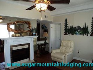 10th Floor Sugar Top 2017, rented by Sugar Mountain Lodging Inc.