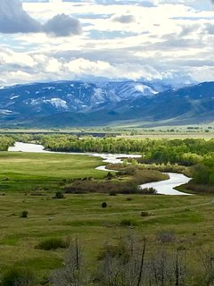 Yellowstone river from lower road