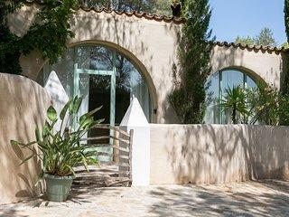 Casa Los Arcos at Masia Nur