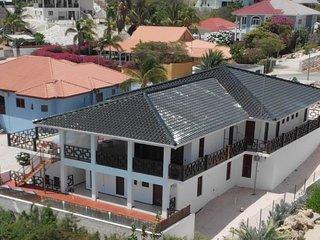 Villa Mi Cuna Curacao - group vacations