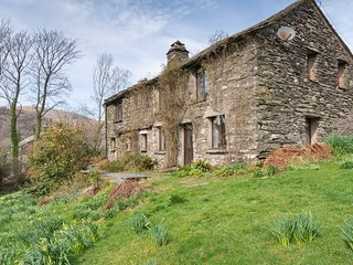 High Beckside - 4-Bedroom Lakeland cottage with an open fire and superb views.