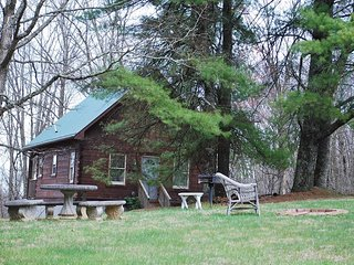 Birch-On the Parkway-Pet Friendly, Hiking Nearby, Blue Ridge Parkway, sightseein