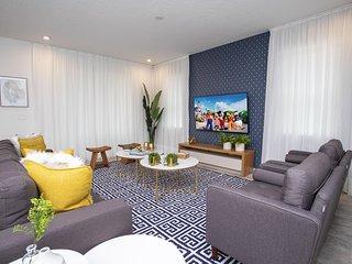 8905CB - Solara Resort
