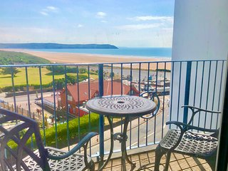 10 Narracott: Fantastic views,4 minutes bed to beach