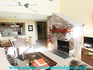 Huge 3 Bedroom Condo in Skyleaf. Rented by Sugar Mountain Lodging, Inc.