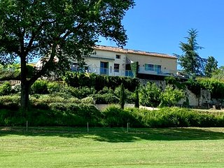 Luxury family villa, heated pool, air con, next to Vigiers golf, fantastic views