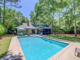 Beautiful home in Sea Pines with private pool bikes and tennis! Walk to Beach