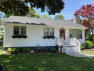 Oak Street Cottage 133683
