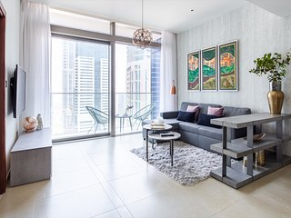 Chic And Stylish 1BR with Grand Marina Views!