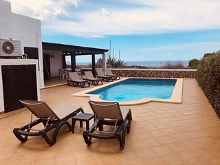 Villa Pura Vida located on the sea front, with private pool and heated
