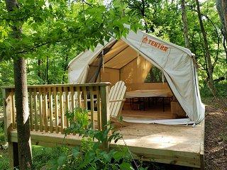 Tentrr Signature Site - Jacobs Creek Riverside Paradise