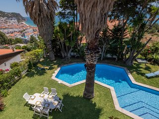 S1 - SESIMBRA 4BDR OCEAN VIEW AND PRIVATE POOL VIL