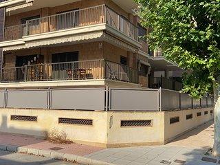 Apartamento lujoso 2 dormitorios, terraza, Aire acondicionado, a 4 min playa