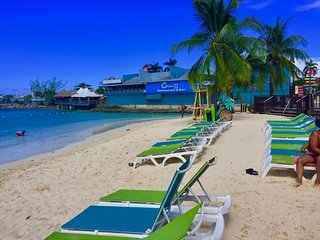 Condo on the beach in Ocho Rios