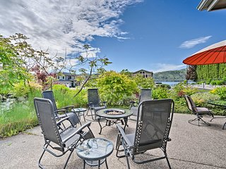 NEW! Lake Chelan Home < 100 Yards to the Water!