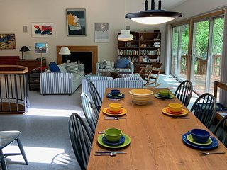 SAND HOUSE (Harbert Woods, MI): Cute, cozy cottage just a short walk from Lake M