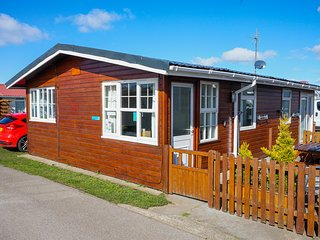 Pippins Retreat Chalet 86A 2 Bedrooms 1 Bathroom sleeps 4. Dog friendly