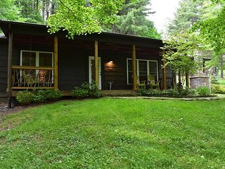 2 bed 2 bath completed renovated house between Boone & Blowing Rock