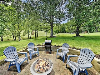 Dreamy Country Farmhouse on 80 Lush Acres - Fireplace, Firepit & Fishing Pond