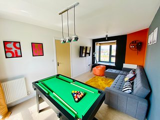 ❤️⭐️Newport House with Netflix, Pool Table and Parking - Perfect for Groups⭐️❤️