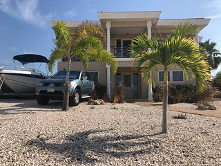 Villa Vista Curacao and Pick Up Truck for rent