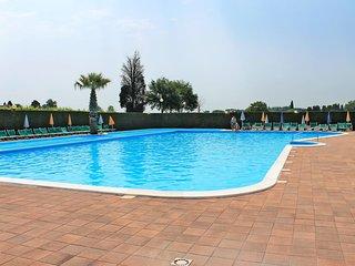 Amazing apartment in Lazise w/ Swimming pool and 1 Bedrooms