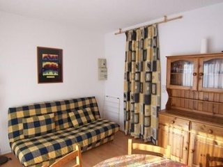 STUDIO CABINE 5/6 PERS. 6 couchages ST LARY SOULAN