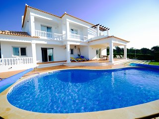 Beautiful 5 bed, 6 bath, private Villa in the Algarve