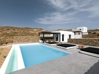 Mykonos Villa Sleeps 8 with Pool and Air Con - 5839951