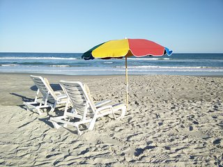 FLORIDA SUNSHINE 2 BD CONDO BY THE BEACH IN THE OCEANFRONT COMPLEX