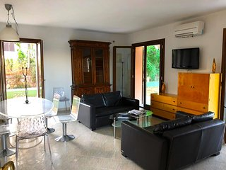 Capalbio-Retreat App.A: charming apartment x 6 near sea