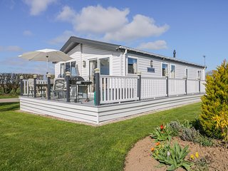 Superb detached lodge located on Skipsea Sands